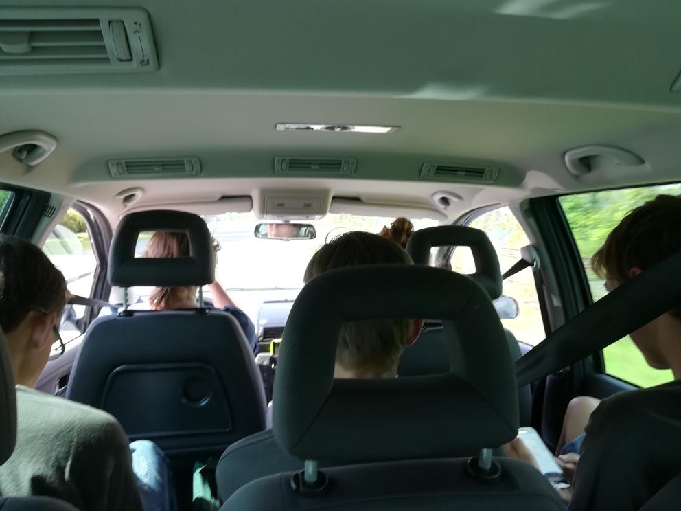 Alle zusammen im Auto
