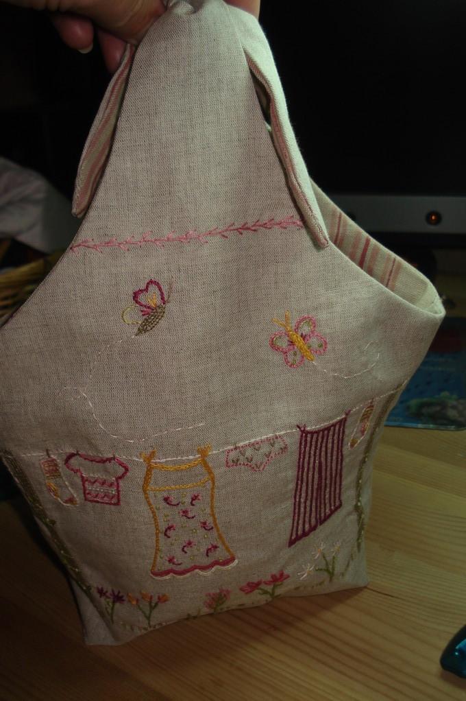 """Panier sac à épingles à linge """"un chat dans l'aiguille"""""""