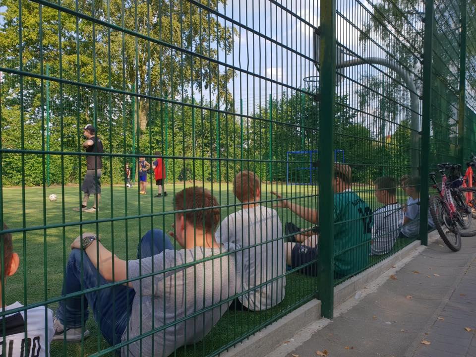 Fußballgruppe im Stadtbezirk IV