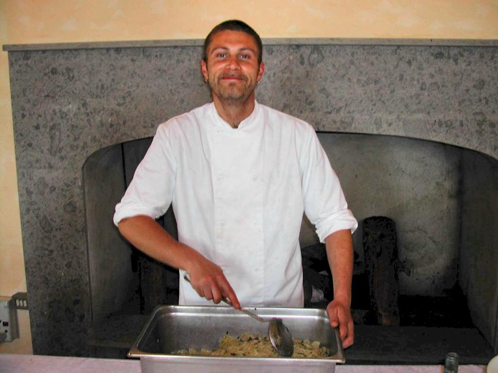Il cuoco -Torre di Perna : 8 maggio 2004