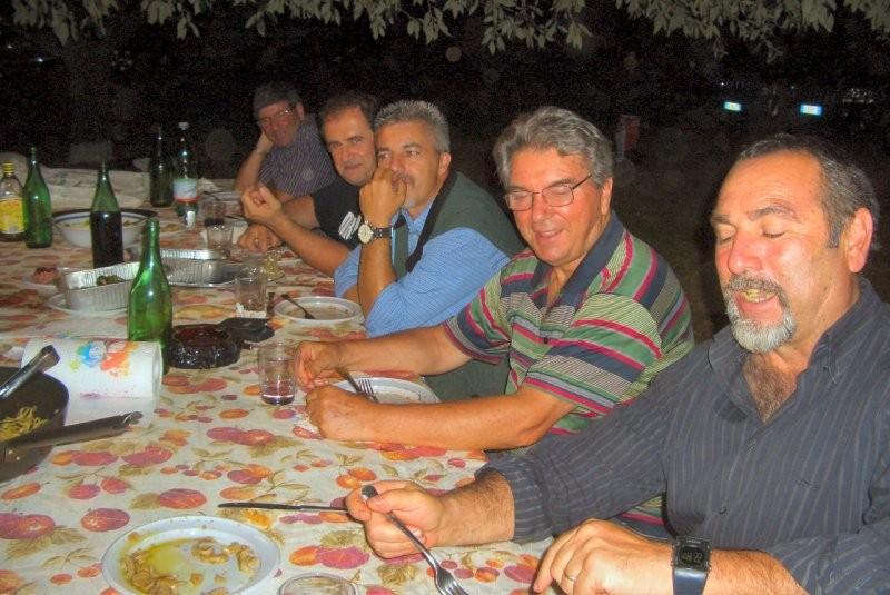 Riunione di condominio tra GMP e FFF da Angelo 07-07-2011