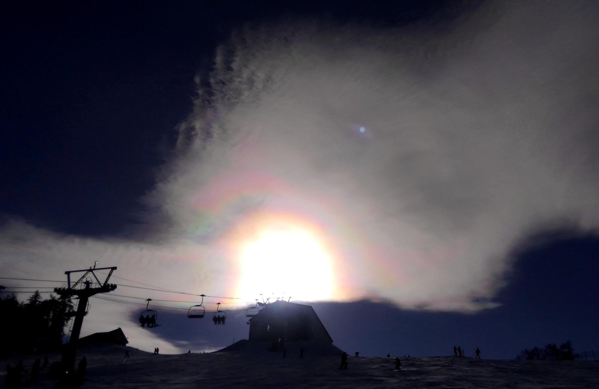 ファミリーコース上空の彩雲