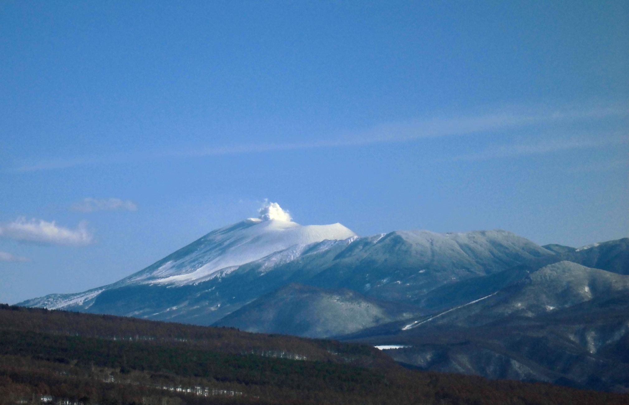 百名山浅間山の噴煙