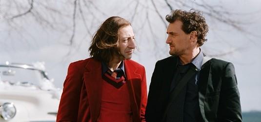 """Alex Caillard (Jean-Paul Rouve) et son éditeur dans """"Ce soir, je dors chez toi""""."""