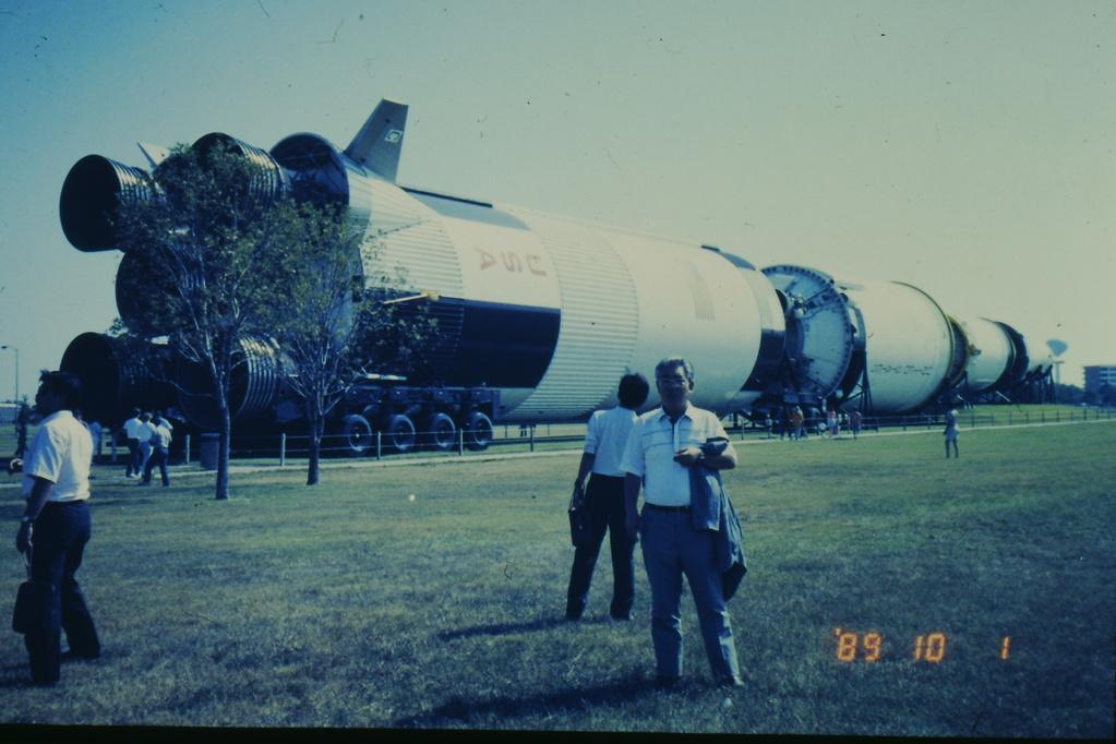 ヒューストン(NASA) ロケット展示場