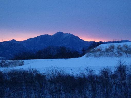 八千穂高原別荘地からの日の出