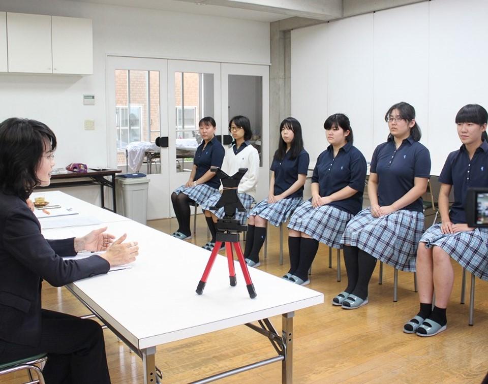 就職採用試験 面接練習(ファッション総合科3年生)