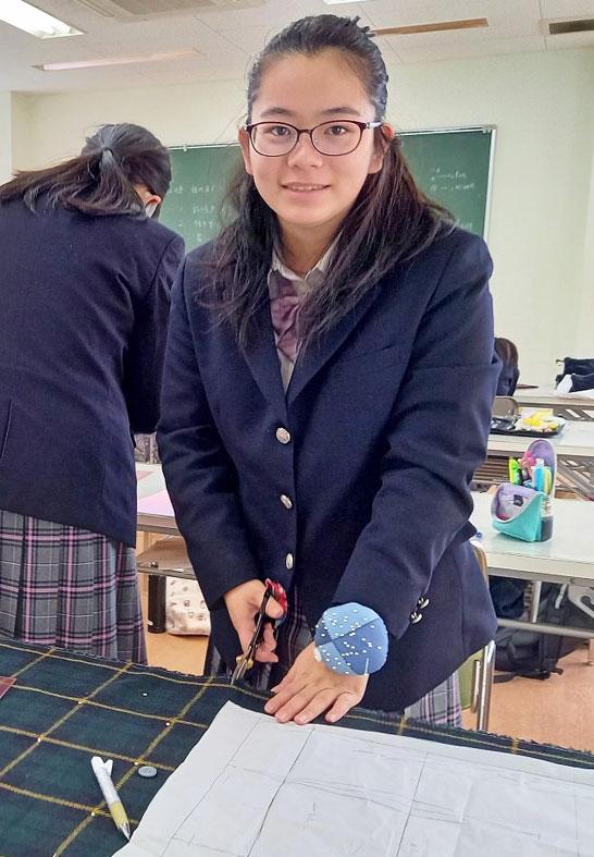 服飾造形実習(ファッション総合科1年生)