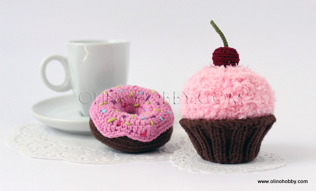 Crochet donuts and cake