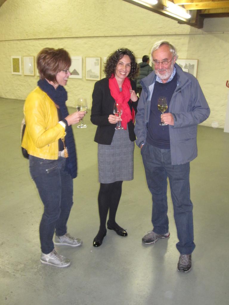 """Besuch der Ausstellung """"Steine am Fluss"""" von Uli Wirz, 11. Oktober 2013"""