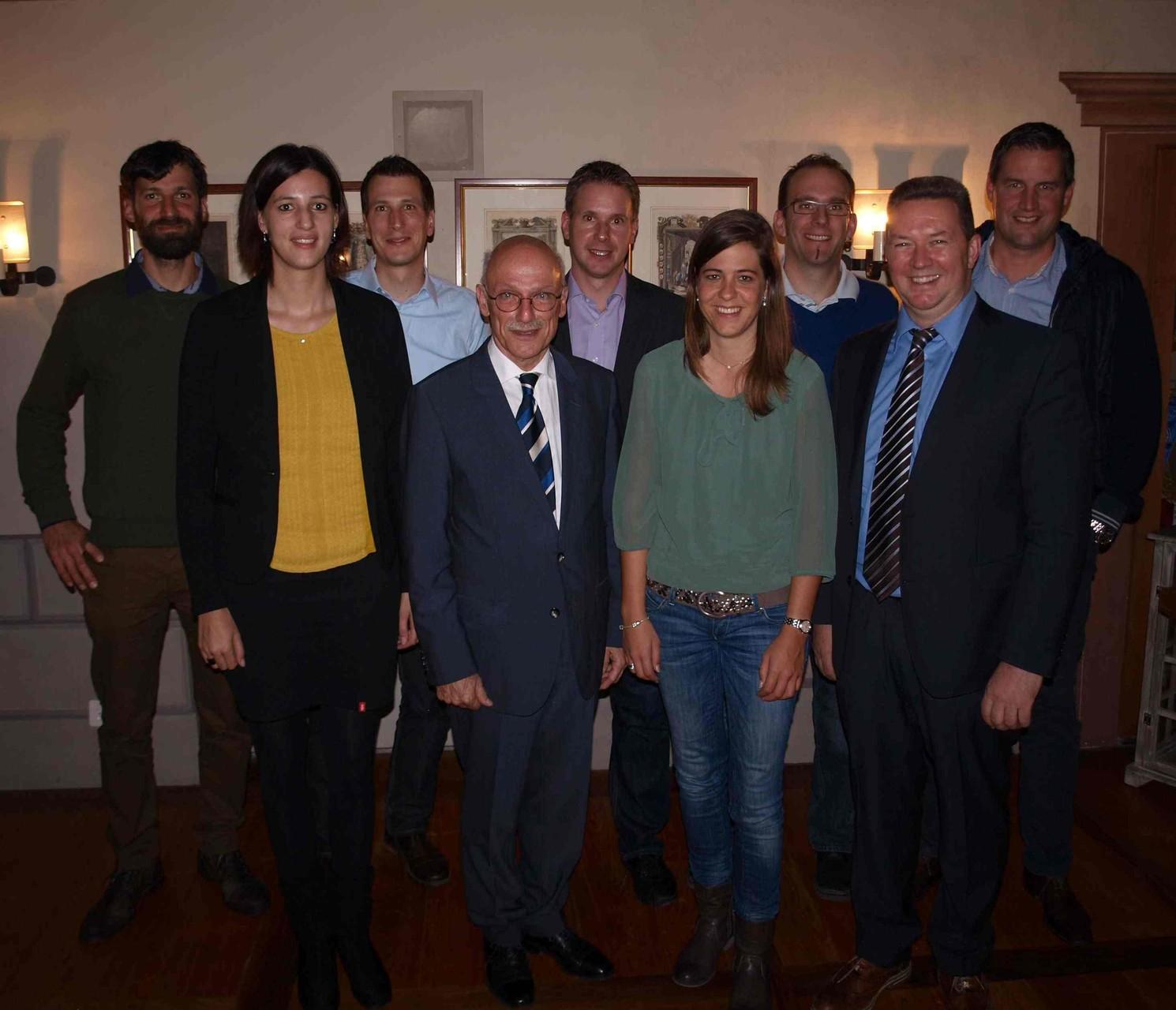 Referent, Vorstand und Neumitglieder anlässlich der 50. GV vom 14. November 2014
