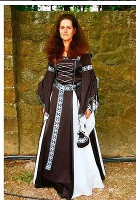 Mittelalterdesign,Mittelalter Gewandung,Gothic,Wave, Maßanfertigung in der Manufaktur Mittelalter-Fashion.