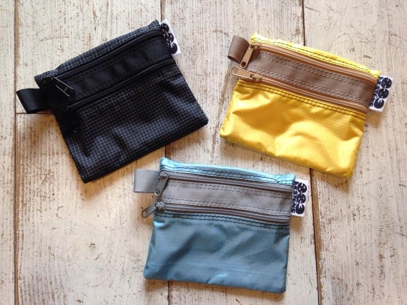 883 designs(ハヤミデザイン) 2 Zip Wallet 各¥3,600(+TAX)