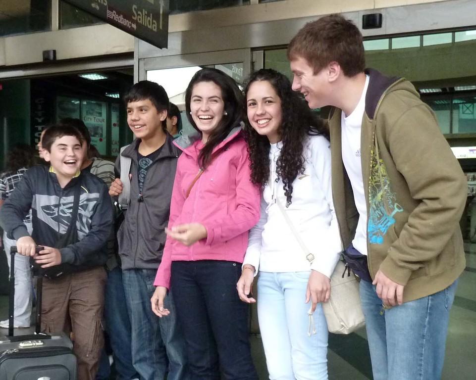 Equipo Club CEPA Viña a competir al Salvador; Jaime, Kevin,Gabriela, Javiera y Darrell