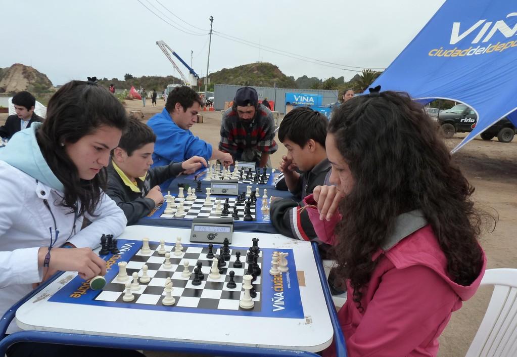 Jugadores de CEPA en Inauguración de la Playa del Deporte, Viña del Mar 15-12-2011