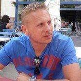 Instructeur Joram bij rijschool Barneveld Hartkamp. Rijles in een Audi A4.