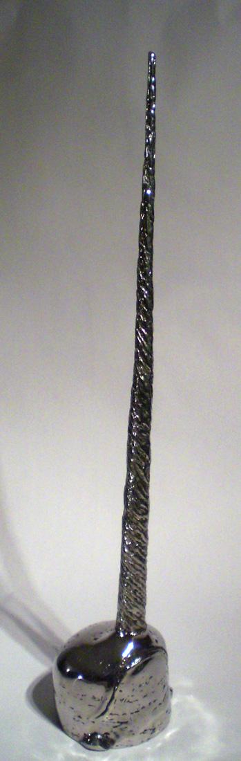 Entre légende et réalité    Hauteur 103cm     Inox
