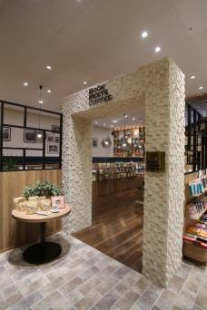 書店内にあるカフェでも「マザーアースティー想」好評販売中!