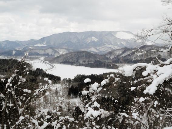 5.  「戸崎峠」手前 P150 付近から「東岳」