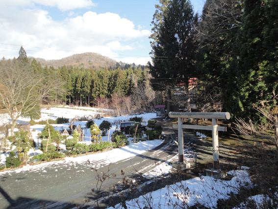 1.   登山口近くの「戸山地主神社」から「砥取山」