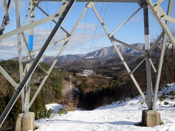 8.   高塔から諏訪沢「いちい荘」方面」
