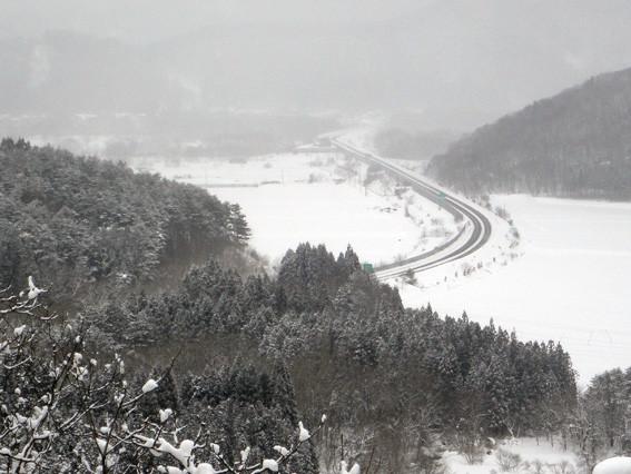 4.  「戸崎峠」手前 P150 地点から東北道・青森東IC方面