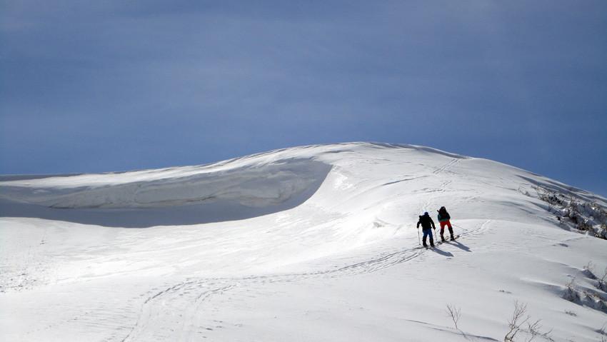 「西法寺森」山頂前の最後の急斜面
