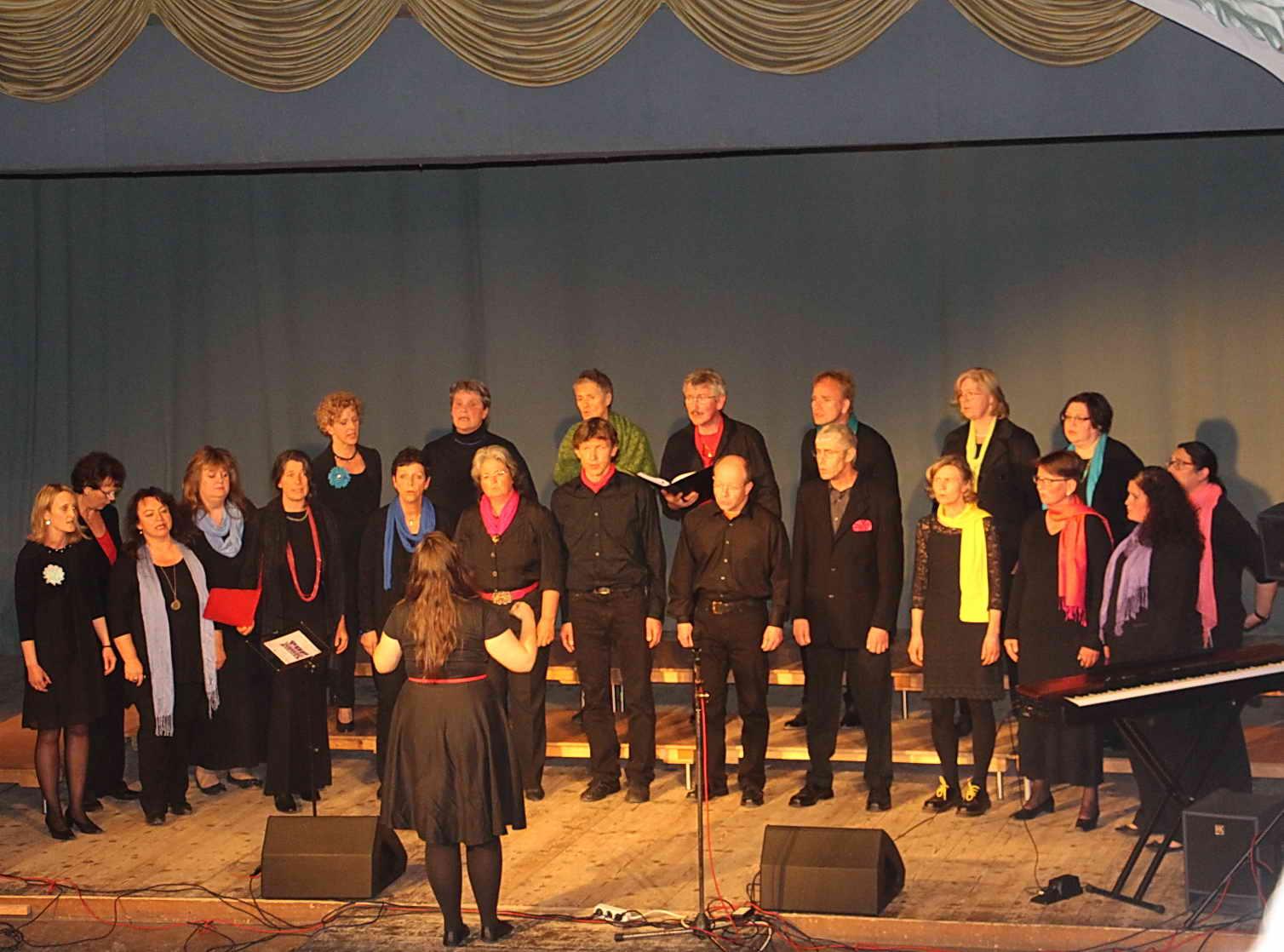 Chor Mundwerk Hausham, Melinda Dzierzon