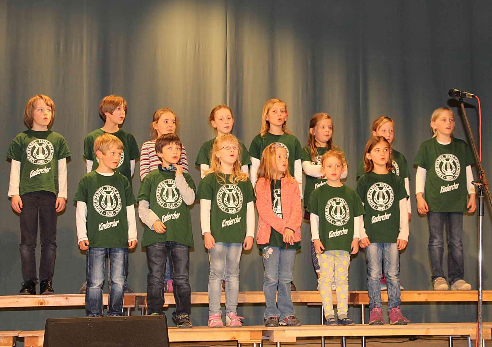 Kinderchor Liedertafel Holzkirchen, Ltg. Karin Emde-Ehmer