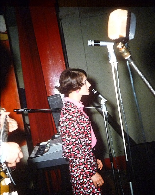Die Kleine mit der großen Stimme