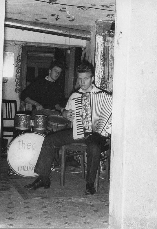 "The Crack Makers. Karlheinz Bruckhoff, Wolfgang ""Schwabbel"" Faber. Irgendwo in Offenbach 1959"
