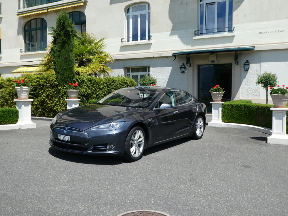 Mit dem Tesla in Montreux, VIP-Transfer