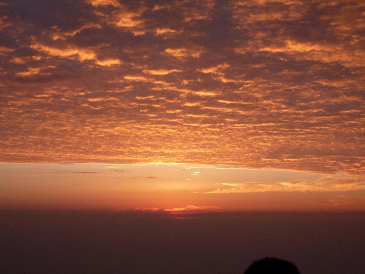 峨眉山の朝日