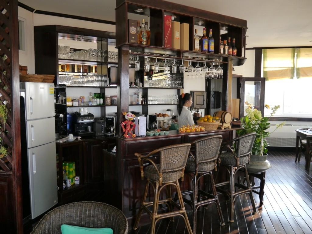 Im Cafe Hotel