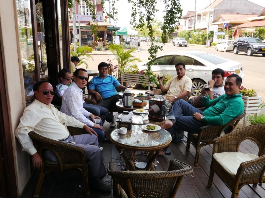 Vor Cafe dem Hotel