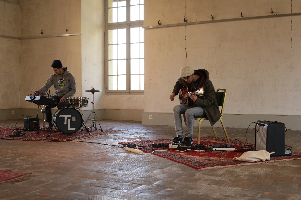 Recording in the castle (photo by Pierre Marti)