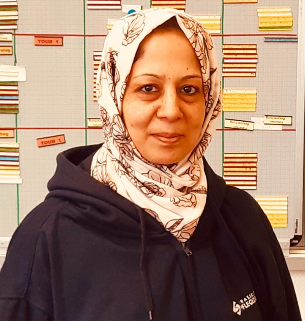Alina Bayat, Gesundheitspflegeassistentin
