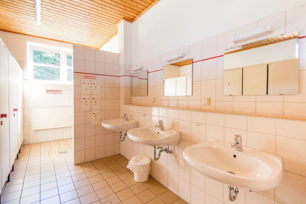 Waschraum - Weisser Brunnen