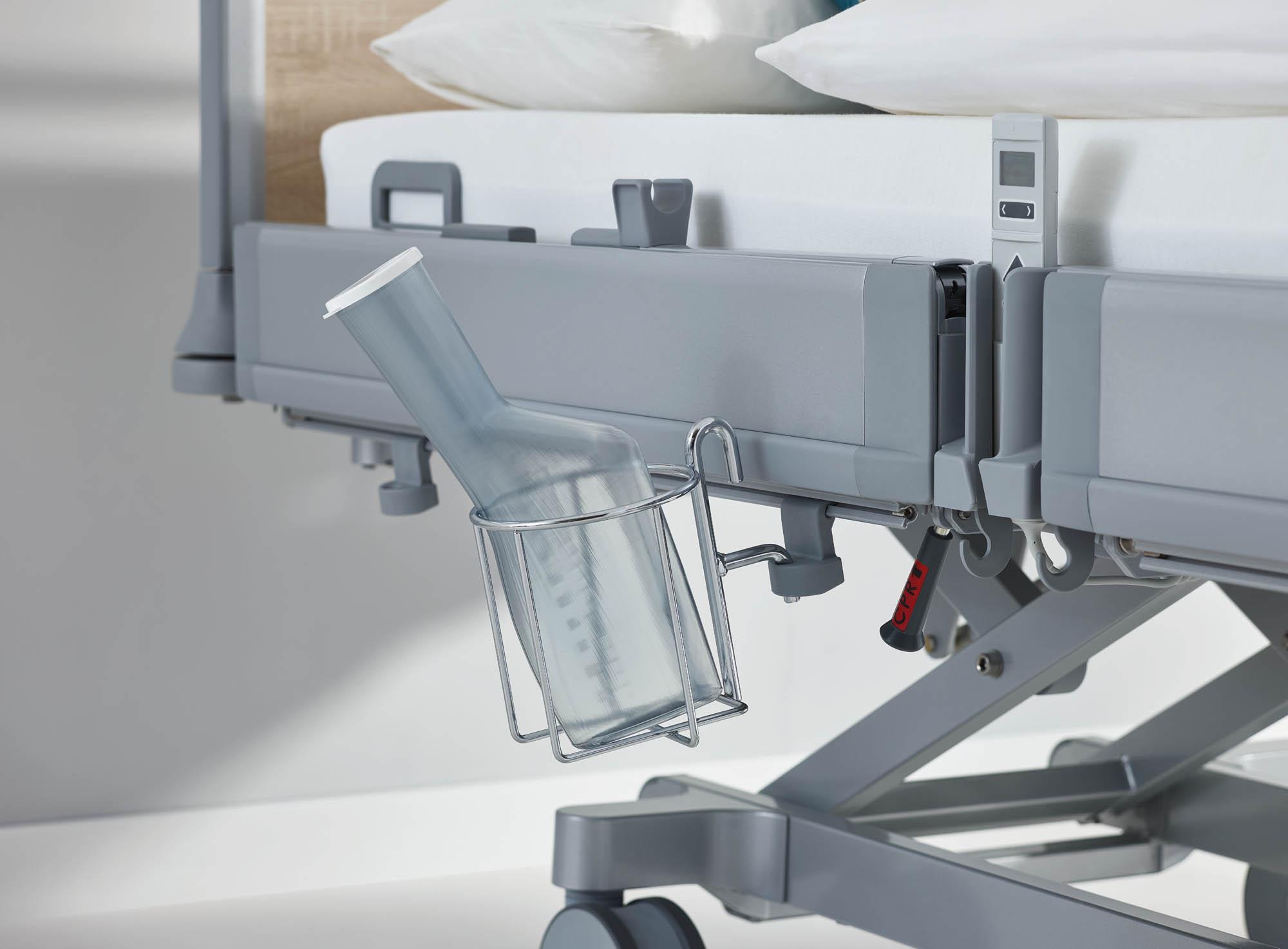 Der Urinflaschenkorb für die MultiFlex+-Seitensicherung des Puro besitzt flexible Montagehöhen.
