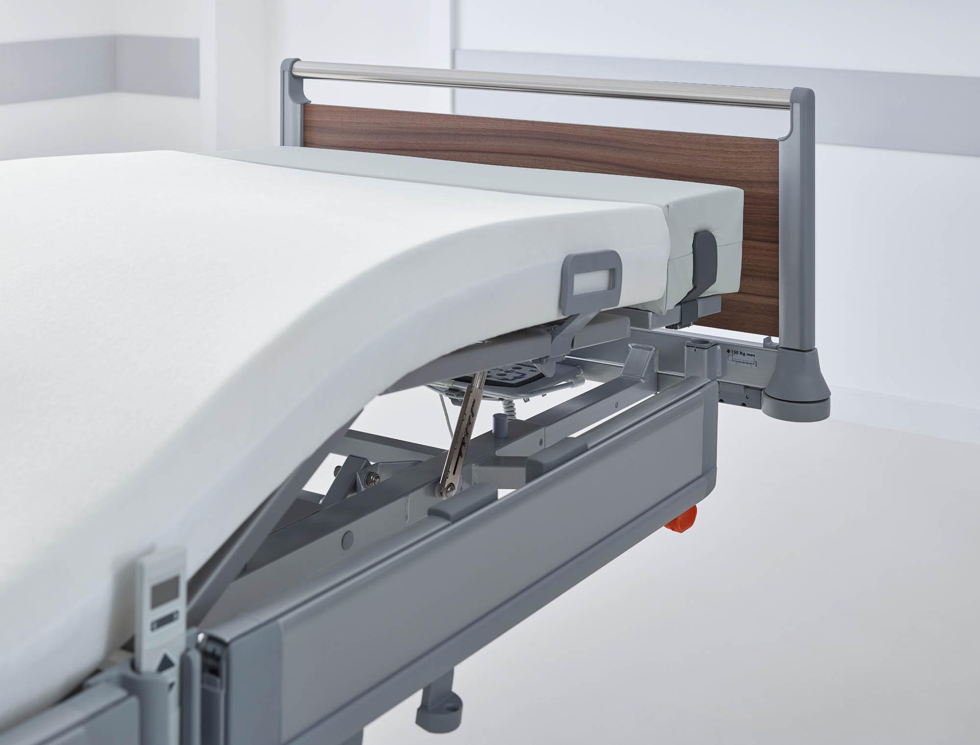 Wird die Bettverlängerung des Puro genutzt, ist auf Wunsch eine Unterschenkellehnenverlängerung mit passendem Polster erhältlich.