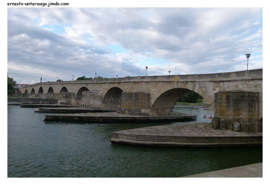 Die mittelalterliche Brücke, ohne die Regensburg nie so bedeutungsvoll geworden wäre in den folgenden Jahrhunderten.