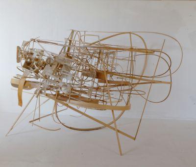 Jörg Bussmann allegria di naufragi – not macht erfinderisch, erstaunliche Wendung / HBT 140x 220x 160 cm / Holz, Papier