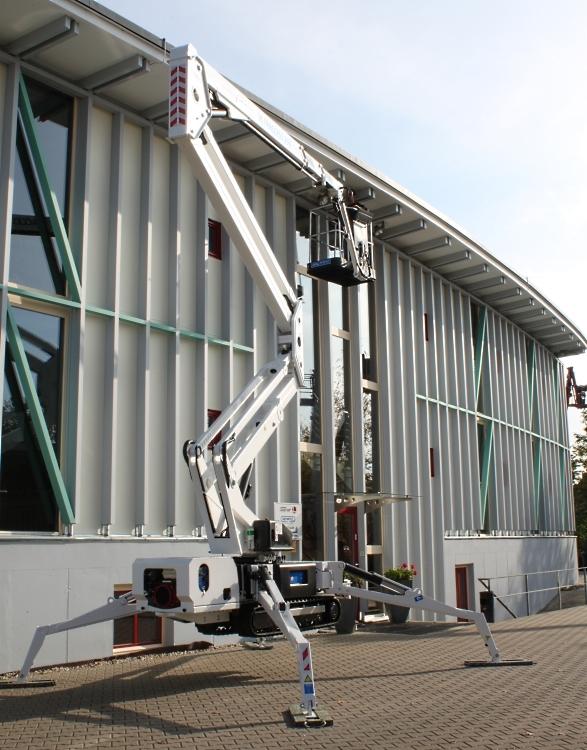 Traccess 230, 23 m Arbeitshöhe, bis 12 m Reichweite