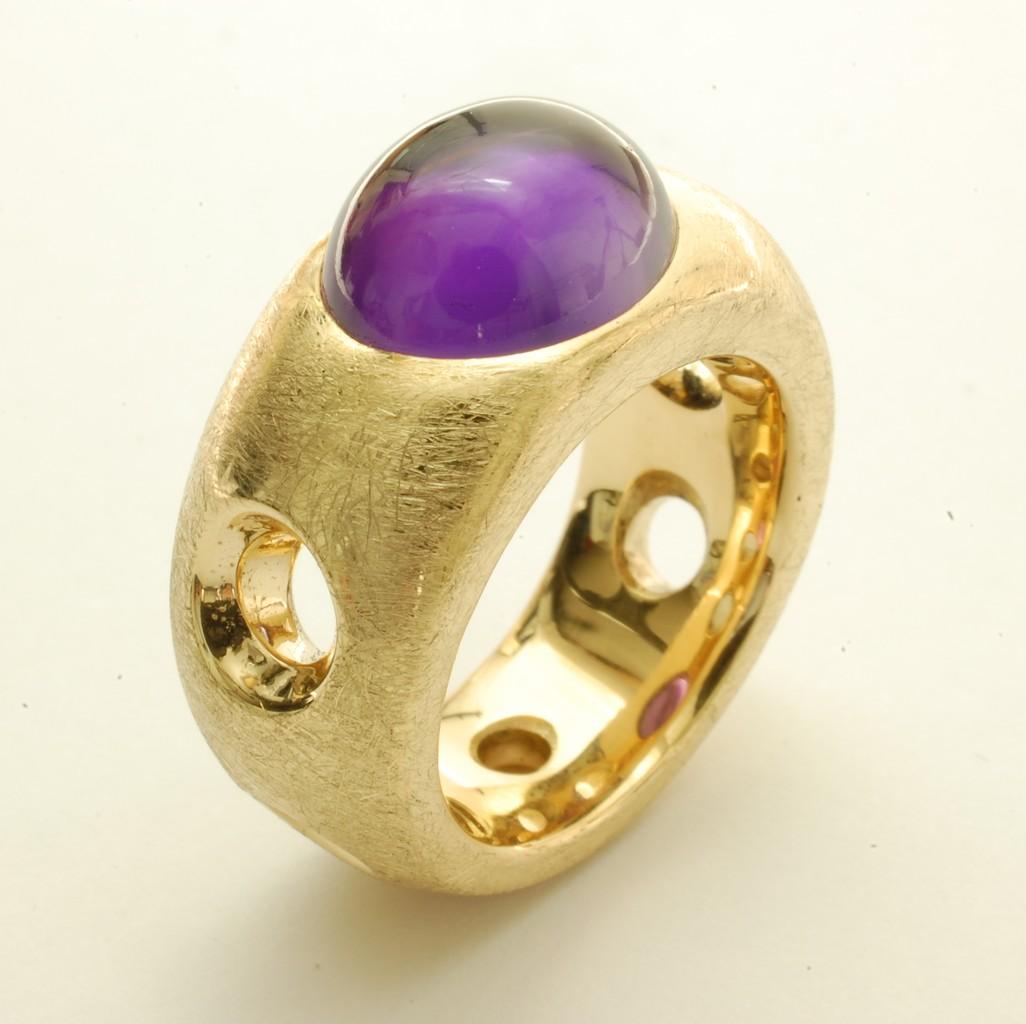 Breiter goldring mit stein  Ringe - Ihre Goldschmiede in Kiel