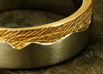 Ihr Handabdruck in Gold