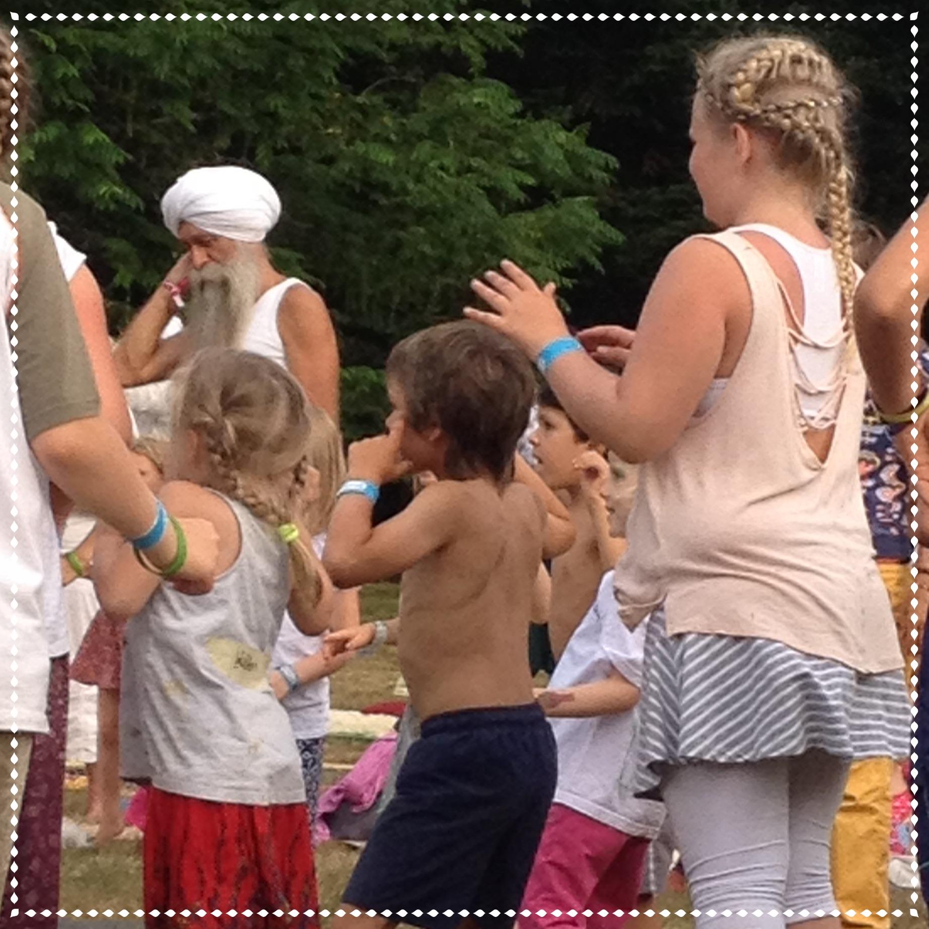 Kinder-Yoga mit Gurudass Kaur