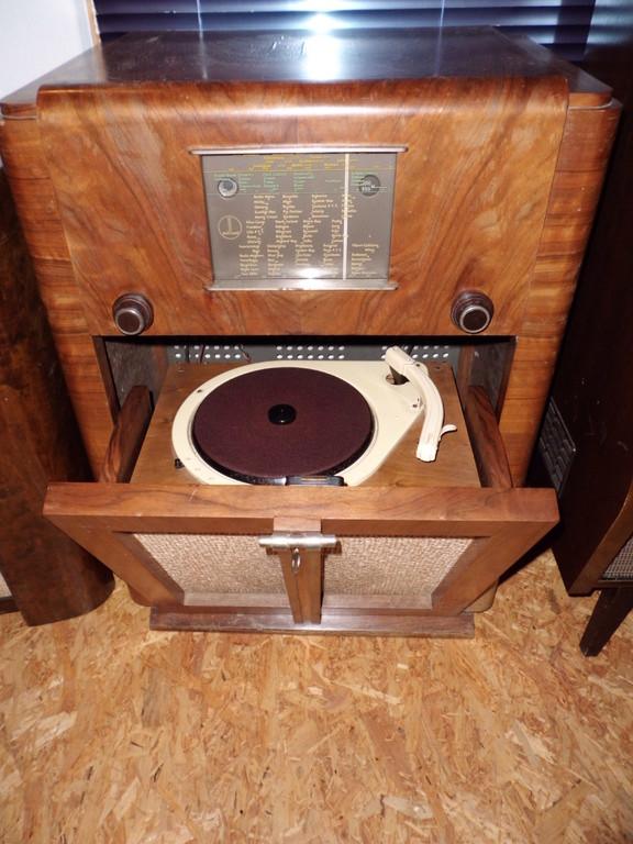 PHILLARD  RADIO-PHONO  426  CHASSIS EU  USA   1942