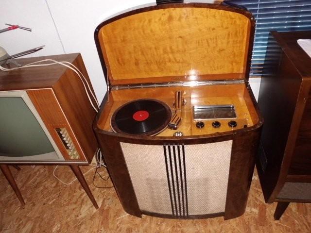 Luxor Radio-Truhe Typ 707 GW 1940
