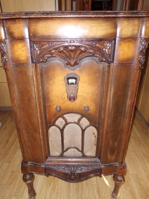 Barock radio-phono FADA 45, 1930  geschlossen