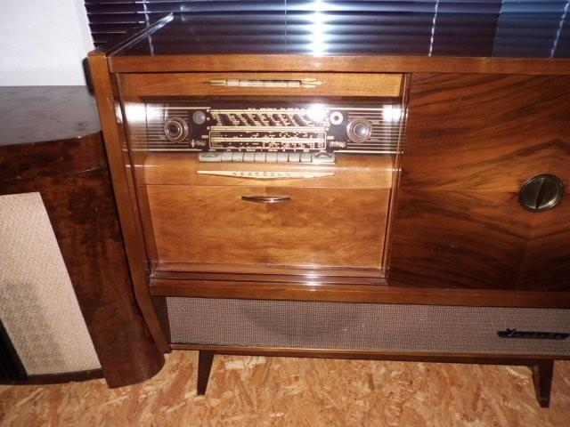 Nordmende Isabella 57 1957 links offen